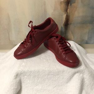 Authentic Gucci Lace Up Leather Sneakers